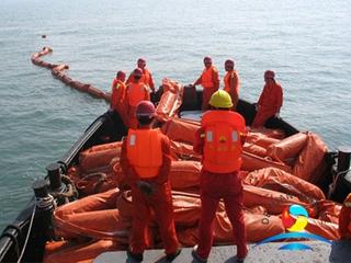 Harbor Solid PVC Flotation Oil Boom