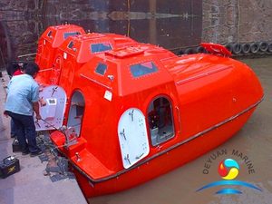 150 Person Capacity Tanker Version F.R.P Marine Totally Enclosed Lifeboat