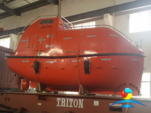 Fire Protected Type Totally Enclosed Lifeboat With Gravity Luffing Arm Type Davit